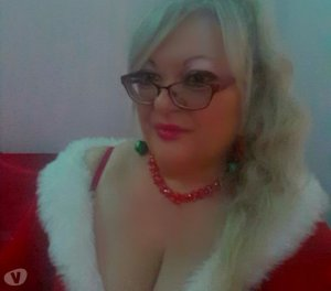 Clarysse escort masseuse Roussillon, 38